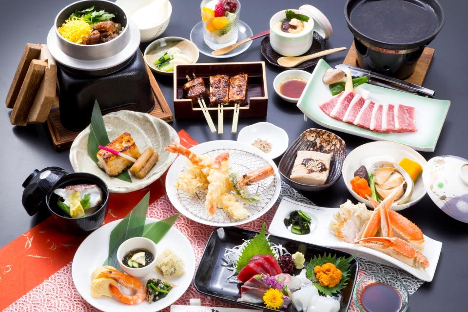 会席料理「光(ひかる)」10000円(税抜)
