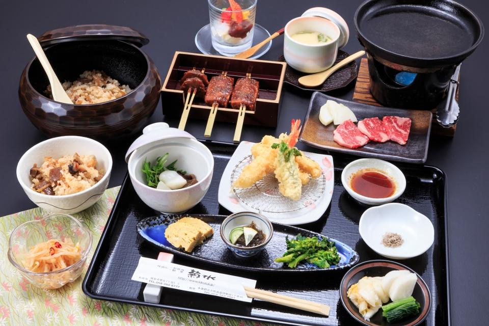 おまかせコース「昼膳(ひるぜん)」1300円(税抜)
