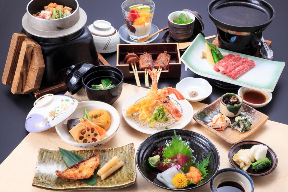 法事会席料理「金花(きんか)」7000円(税抜)