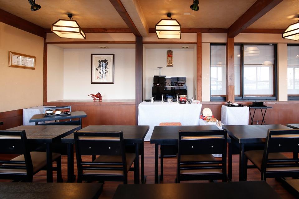 仕出し割烹 菊水 法事用の祭壇・仏壇 完備