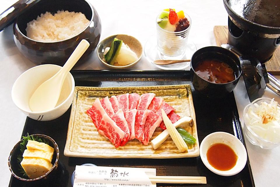 菊水の「焼き肉定食」1200円(税抜)